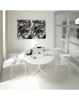 Tables de réunion design très élégantes.