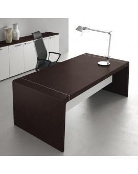 bureau avec voile de fond blanc